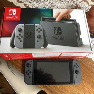 ニンテンドースイッチ(Nintendo Switch)の任天堂 switch 本体 グレー(家庭用ゲーム本体)