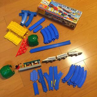 プラレール 坂レールセット+α(電車のおもちゃ/車)