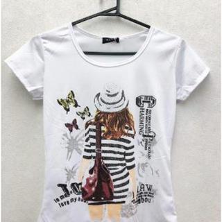 蝶と女の人 夏 白Tシャツ 女性 プリントTシャツ(Tシャツ(半袖/袖なし))