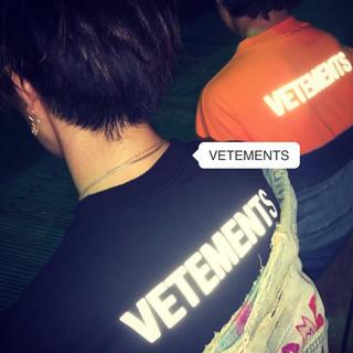 アンブッシュ(AMBUSH)のVETEMENTS staffリフレクターシャツリステア確実正規品(Tシャツ/カットソー(半袖/袖なし))