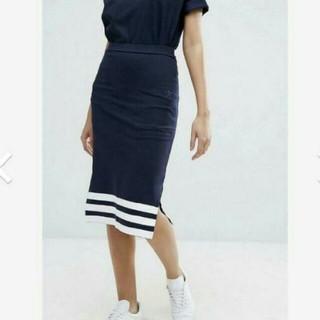 アディダス(adidas)のオリジナルス(ひざ丈スカート)