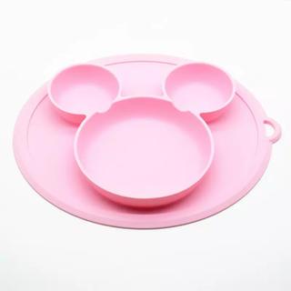 ディズニー(Disney)の【新品】ミッキー  シリコン お皿 ベビー&キッズ ひっくり返らないお皿(食器)