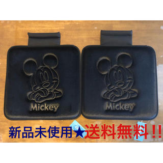 ディズニー(Disney)の【新品未使用】  カーシート ミッキーマウス 2枚    (車内アクセサリ)