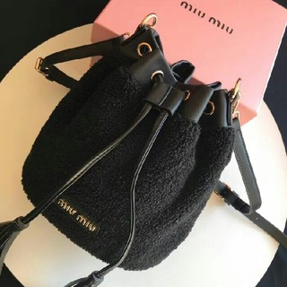 miumiu - 大人気 新しい miumiu パッケージ