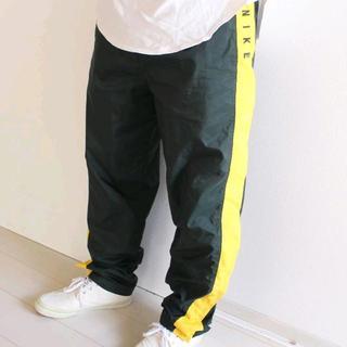 ナイキ(NIKE)のUS ナイキ 緑 黄色 サイドライン ナイロン パンツ M(その他)