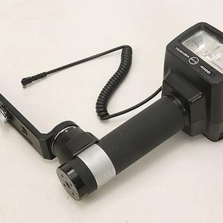 動作確認済 大光量 汎用ハンドストロボ 東芝4000 GN40 単三電池使用(ストロボ/照明)