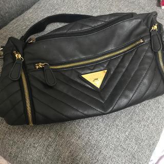 ジーユー(GU)のバッグ 黒 美品 キルティング(ハンドバッグ)