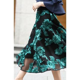 カワイイ(cawaii)の花刺繍スカート(ロングスカート)