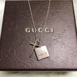 グッチ(Gucci)の【正規品】GUCCI グッチ ネックレス クロス ロゴプレート シルバー(ネックレス)