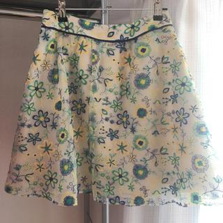 ドーリーガールバイアナスイ(DOLLY GIRL BY ANNA SUI)のドーリーガールの刺繍花柄スカート(ひざ丈スカート)
