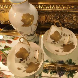 オオクラトウエン(大倉陶園)の大倉陶園花瓶 と他メーカーコーヒーカップペア(食器)