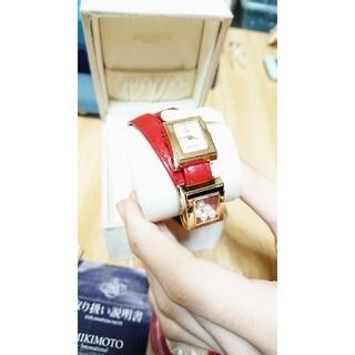 ミキモト(MIKIMOTO)のMIKIMOTO 腕時計 パール シェル ドレスウォッチ赤 箱付き(腕時計)