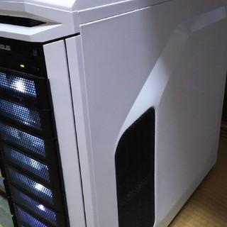 ハイスペック ディスクトップpc LED付き(デスクトップ型PC)
