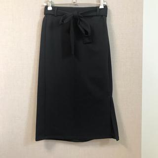 ジーユー(GU)の美品 GU ひざ丈 タイト スカート S(ひざ丈スカート)