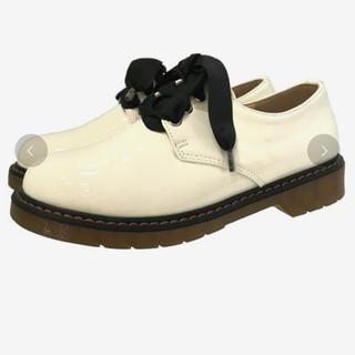 シュガーシュガー(Sugar Sugar)のsugar sugar リボンレースアップシューズ ホワイト(ローファー/革靴)