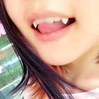 【残りわずか】最安値✨つけ牙 ドラキュラ 仮装 かわいい(コスプレ)