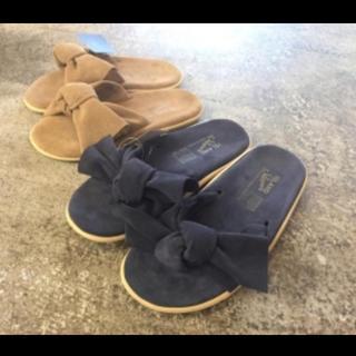 ビューティアンドユースユナイテッドアローズ(BEAUTY&YOUTH UNITED ARROWS)のlepidos × island slipper black(サンダル)