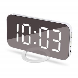 USBポート付き 目覚まし時計 270(置時計)