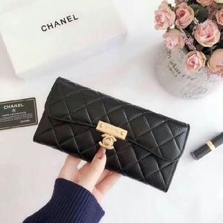 シャネル(CHANEL)のCHANEL 二つ折り財布 レザー ブラック(財布)