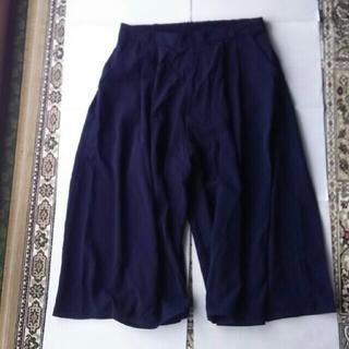 ジーユー(GU)の春物 ジーユー スカーチョ 紺(カジュアルパンツ)