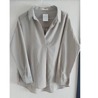 アフリカタロウ(AFRICATARO)の未使用限定価格スキッパーシャツ(シャツ/ブラウス(長袖/七分))