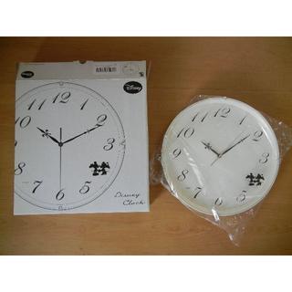 ディズニー(Disney)のディズニー掛け時計 DIC-5021 ミッキー&ミニー(白)9817ao(掛時計/柱時計)