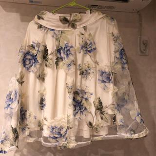 アンティローザ(Auntie Rosa)の花柄スカート(ひざ丈スカート)