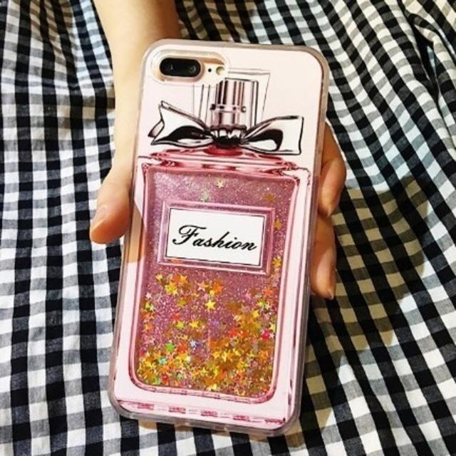 louis iphonexs カバー レディース | キラキラ グリッターラメ 香水瓶 iPhone アイフォンの通販 by Sweet Angel|ラクマ