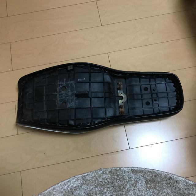 カワサキ(カワサキ)のエストレヤ   純正シート 自動車/バイクのバイク(パーツ)の商品写真