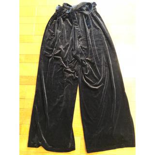 ジーユー(GU)のズボン(カジュアルパンツ)