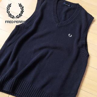 フレッドペリー(FRED PERRY)の©︎様 フレッドペリー Lサイズ メンズ ベスト ネイビー(ベスト)