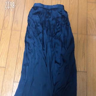 ジーユー(GU)のGU紺色ロングスカート(ロングスカート)