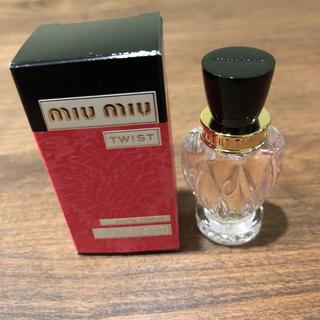 ミュウミュウ(miumiu)のmiumiu ミニサイズ ミュウミュウ ツイスト 香水  新作(香水(女性用))