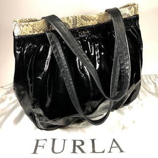 Furla - 【美品】フルラ エナメルトートバッグ 黒 保存袋付