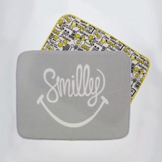 スリーコインズ(3COINS)のSmileキッチンアイテム 吸水マット 新品·未使用 3COINS(収納/キッチン雑貨)