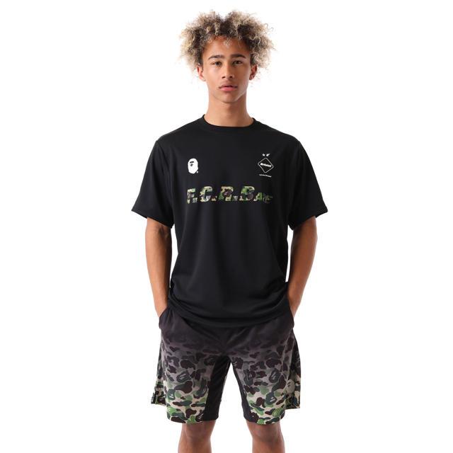 A BATHING APE(アベイシングエイプ)のBAPE x FCRB 938 TEAM TEE メンズのトップス(Tシャツ/カットソー(半袖/袖なし))の商品写真