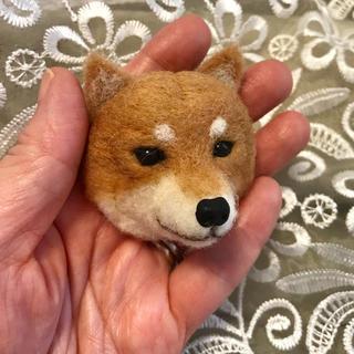 羊毛フェルト柴犬のブローチ(ぬいぐるみ)