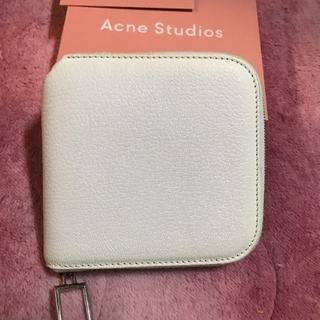 アクネ(ACNE)の《最終値下げ!》acne 財布 ホワイト(財布)