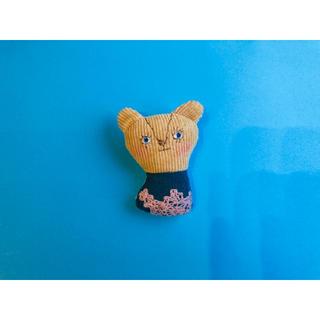 ミナペルホネン(mina perhonen)のミナペルホネン ハンドメイド ブローチ くま 人形 マスコット(コサージュ/ブローチ)