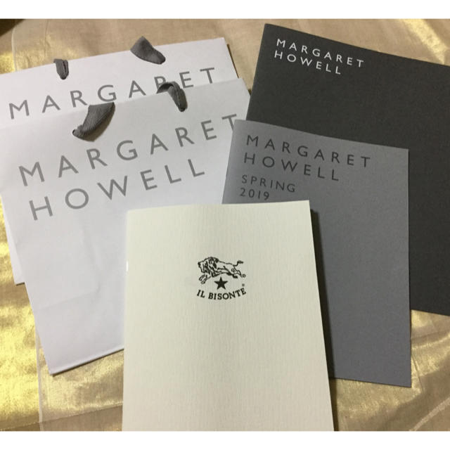 MARGARET HOWELL(マーガレットハウエル)のマーガレットハウエル IL BISONTEカタログ ショップバックセット レディースのバッグ(ショップ袋)の商品写真