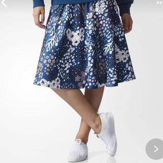 アディダス(adidas)のadidas original フレアスカート(ひざ丈スカート)