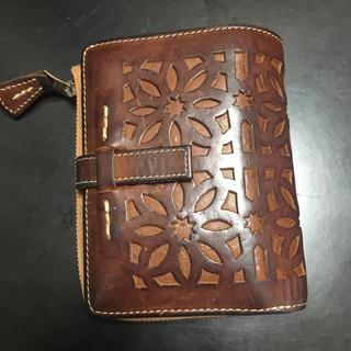 ゲンテン(genten)のgenten ゲンテン カットワーク 二つ折り財布(財布)