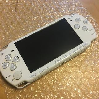 ソニー(SONY)のPSP 2000 ホワイト 中古美品(携帯用ゲーム本体)