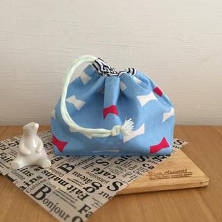ハンドメイド  お弁当袋 水色リボン(ランチボックス巾着)