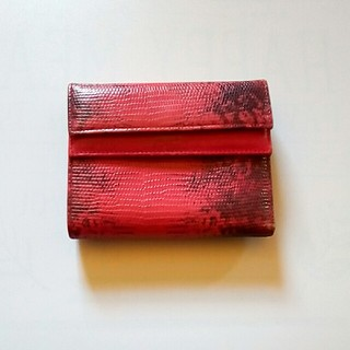 221290b5dc92 フルラ(Furla)のFURLA 二つ折り財布 レディース フルラ レッド x ブラック 赤 x