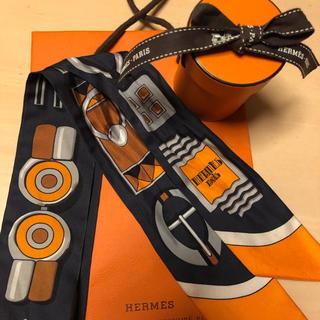 エルメス(Hermes)のHERMESツイリー箱付きオレンジ×チャコールグレー(バンダナ/スカーフ)