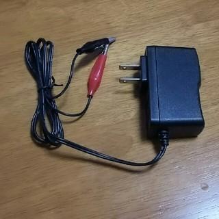 12V バッテリー充電器 バイク 自動車(メンテナンス用品)