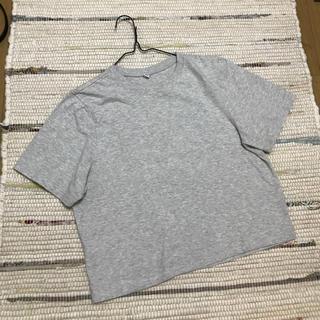 ユニクロ(UNIQLO)のユニクロ グレーTシャツ(Tシャツ(半袖/袖なし))