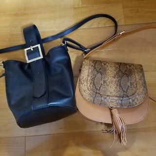 ジーユー(GU)のワンハンドルbagとフリンジパイソン柄bagセット(ショルダーバッグ)