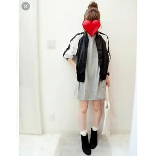 ジーユー(GU)の♡GU♡スタジャン♡白♡黒♡(スタジャン)